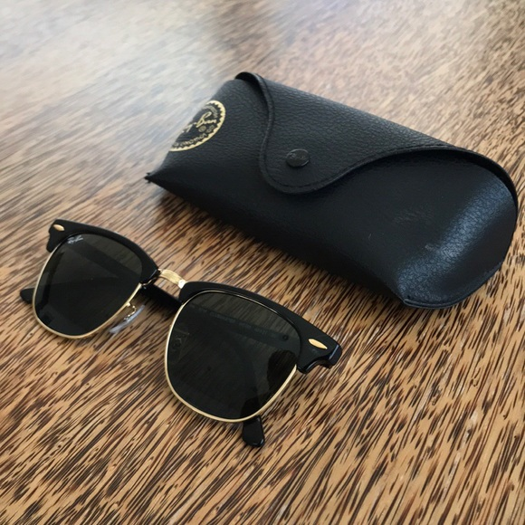 4e084242fe Ray-Ban Black Gold Clubmaster Sunglasses. M 5b9aac2f3c9844480825eb79
